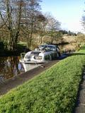 Het Kanaal van Leeds Liverpool in Salterforth in het mooie platteland op de grens van Lancashire Yorkshire in Noordelijk Engeland Stock Afbeelding