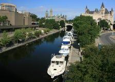 Het Kanaal van Rideau in Ottawa Van de binnenstad stock foto