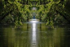 Het kanaalscène van het Peacefullwater royalty-vrije stock afbeelding
