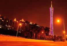 Het kantontoren van de nachtscène in China stock foto