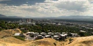 Het kapitaal overheerst de Horizon van Salt Lake Ci=ity Kijkend Zuiden royalty-vrije stock afbeeldingen