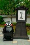 Het Karakter Kumamon wordt van Kumamotokawaii getoond in Sakura Komachi in Kumamoto-Prefectuur, Japan Kumamon was zeer populair o royalty-vrije stock afbeeldingen