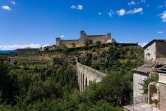 Het kasteel Albornozian en Ponte delle Torri Stock Foto