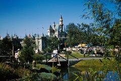 Het Kasteel Disneyland 1957 van Cinderella Stock Afbeeldingen