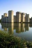 Het kasteel en de gracht van Bodiam Royalty-vrije Stock Afbeeldingen