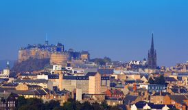 Het Kasteel en St Giles van Edinburgh   stock foto's