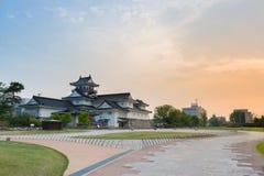 Het kasteel historisch oriëntatiepunt van Toyama in Toyama Japan met mooi s royalty-vrije stock afbeeldingen