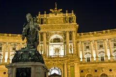 Het kasteel Hofburg 's nachts, Wenen Royalty-vrije Stock Foto's