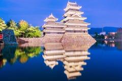 Het kasteel Matsumoto-PB historisch oriëntatiepunt van Matsumoto bij nacht met royalty-vrije stock afbeelding