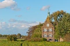 Het kasteel Meeuwen is een de 19de eeuw Nederlands kasteel Stock Afbeeldingen