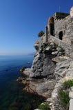 Het kasteel op de kust van Camogli Italië Stock Afbeeldingen
