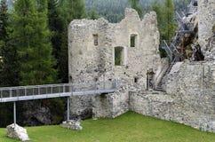 Het Kasteel van Andraz, in het Lagazuoi en 5 Torri gebied, Italië royalty-vrije stock afbeelding