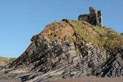 Het kasteel van Ballybunion op de klip Stock Foto
