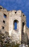 Het kasteel van Beckov - Kapel Stock Afbeeldingen