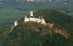 Het kasteel van Bezdez - luchtfoto Royalty-vrije Stock Afbeeldingen