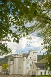 Het kasteel van Blair onder de bomen Royalty-vrije Stock Foto
