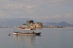 Het kasteel van Bourtzi, Nafplio - Griekenland Stock Afbeelding