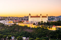 Het kasteel van Bratislava in hoofdstad van Slowaakse republiek Royalty-vrije Stock Foto's