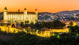 Het kasteel van Bratislava in hoofdstad van Slowaakse republiek Stock Afbeeldingen