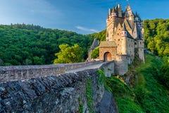 Het kasteel van Burgeltz in Rijnland-Palatinaat, Duitsland royalty-vrije stock fotografie