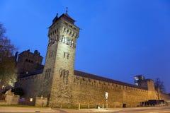Het Kasteel van Cardiff bij Nacht stock foto's