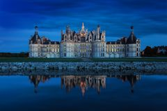 Het kasteel van Chambord bij zonsondergang, Kasteel van de Loire, Frankrijk Chateau DE Chambord, het grootste kasteel in de de Lo royalty-vrije stock fotografie