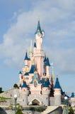 Het kasteel van Cinderella in Disneyland Parijs, Frankrijk royalty-vrije stock afbeelding