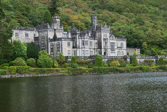 Het Kasteel van de Abdij van Kylemore, Galway, Ierland Royalty-vrije Stock Foto's