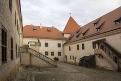 Het Kasteel van de Livoniaorde werd gebouwd in het midden van de 15de eeuw Bauska Letland in de herfst Stock Foto