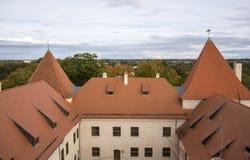 Het Kasteel van de Livoniaorde werd gebouwd in het midden van de 15de eeuw Bauska Letland in de herfst Royalty-vrije Stock Foto
