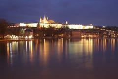 Het kasteel van de nacht royalty-vrije stock afbeeldingen