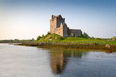 het kasteel van Dunguaire van de 16de Eeuw Royalty-vrije Stock Foto