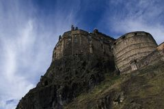 Het kasteel van Edinburgh op de rots, gedetailleerd beeld Stock Foto's