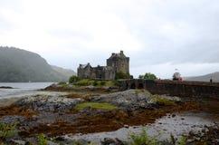 Het kasteel van Eileandonan, Dornie Stock Afbeeldingen