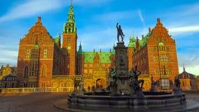 Het kasteel van Frederiksborg in Denemarken Stock Afbeeldingen