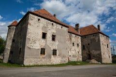 Het Kasteel van Heilige Miklos wordt gebouwd bij het wisselen van de 14de en 15de eeuwen, gebied Over de Karpaten stock afbeelding