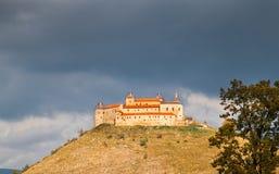 Het Kasteel van Krasnahorka, Slowakije na brand brandde 10 03 2012 Stock Afbeeldingen