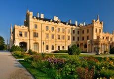Het kasteel van Lednice Stock Afbeeldingen