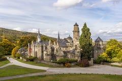 Het kasteel van Loewenburg in Wilhelmshoehe-park, Duitsland stock fotografie