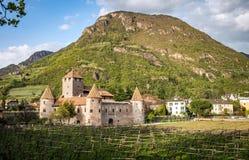 Het Kasteel van Marecciomaretsch in Bolzano, Zuid-Tirol, noordelijk Italië stock afbeelding