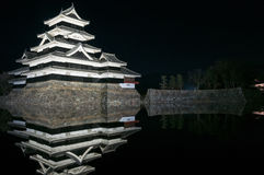 Het Kasteel van Matsumoto bij nacht in de winter japan Royalty-vrije Stock Afbeelding
