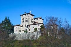 Het kasteel van middeleeuwse Cassacco in Friuli Stock Fotografie