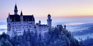 Het kasteel van Neuschwanstein stock foto's