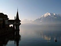 Het Kasteel van Oberhofen, Zwitserland Stock Foto's