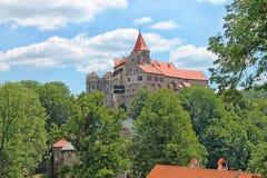 Het kasteel van Pernstejn Moravië, Tsjechische Republiek royalty-vrije stock afbeeldingen