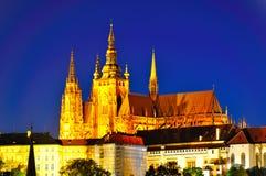 Het kasteel van Praag bij nacht, Tsjechische republiek Royalty-vrije Stock Afbeelding
