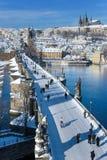 Het kasteel van Praag en Charles-brug, Praag (Unesco), Tsjechische republi Stock Afbeelding