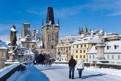 Het kasteel van Praag en Charles-brug, Praag (Unesco), Tsjechische republiek Stock Afbeeldingen