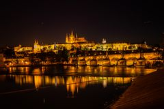 Het kasteel van Praag en de brug van Charles Royalty-vrije Stock Foto's