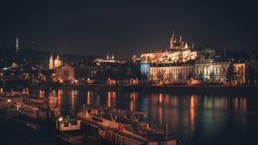Het Kasteel van Praag van over de Rivier royalty-vrije stock foto's